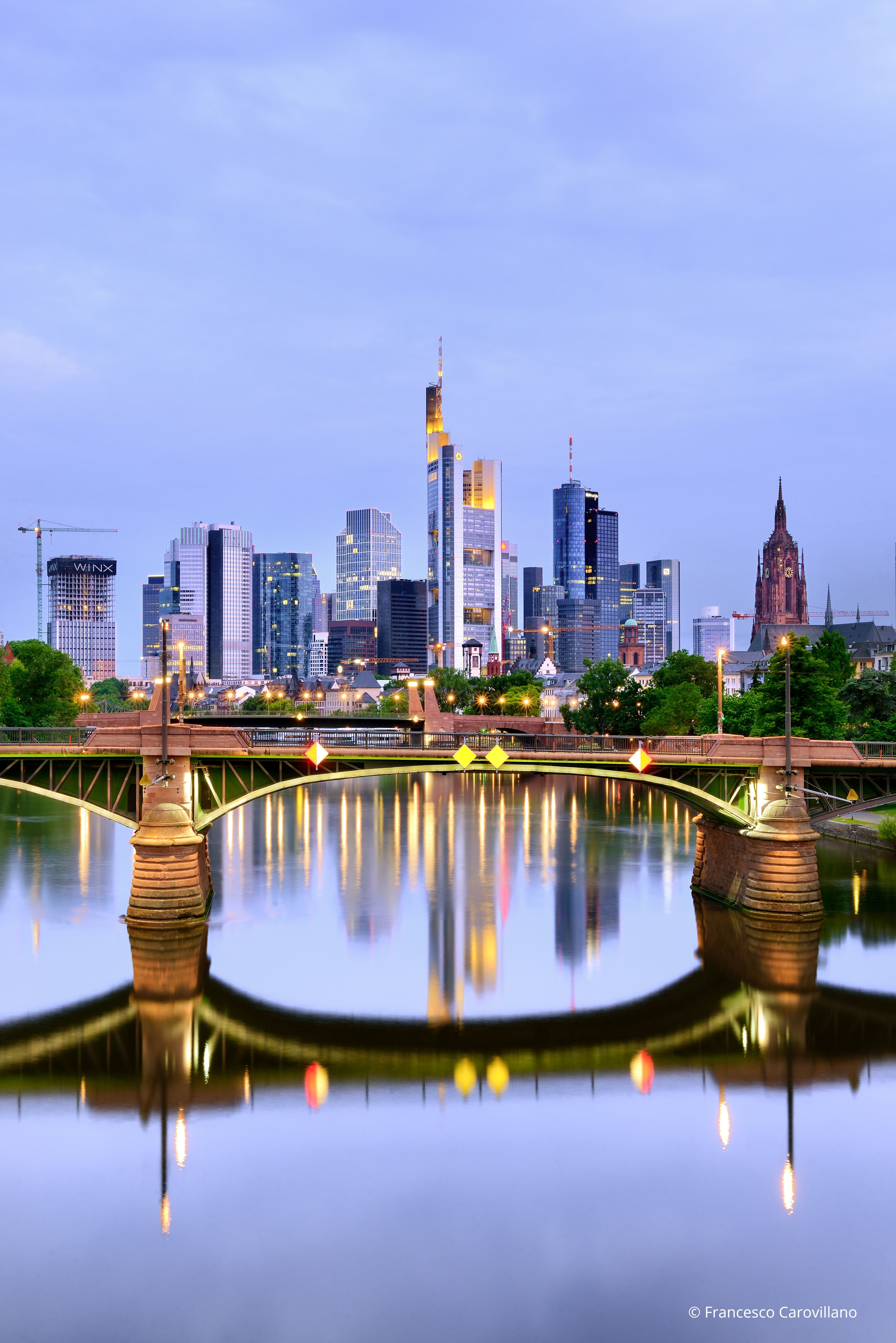 Germany, Hasse, Frankfurt am Main - View over Frankfurt city center and financial district with Main river.