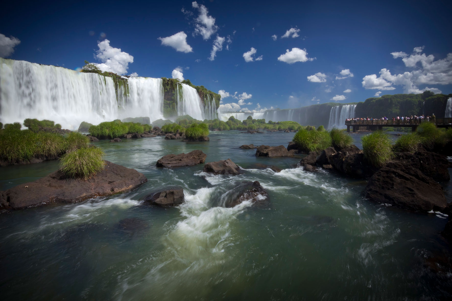 Iguazu-Waterfalls-Brazilian-Side-02