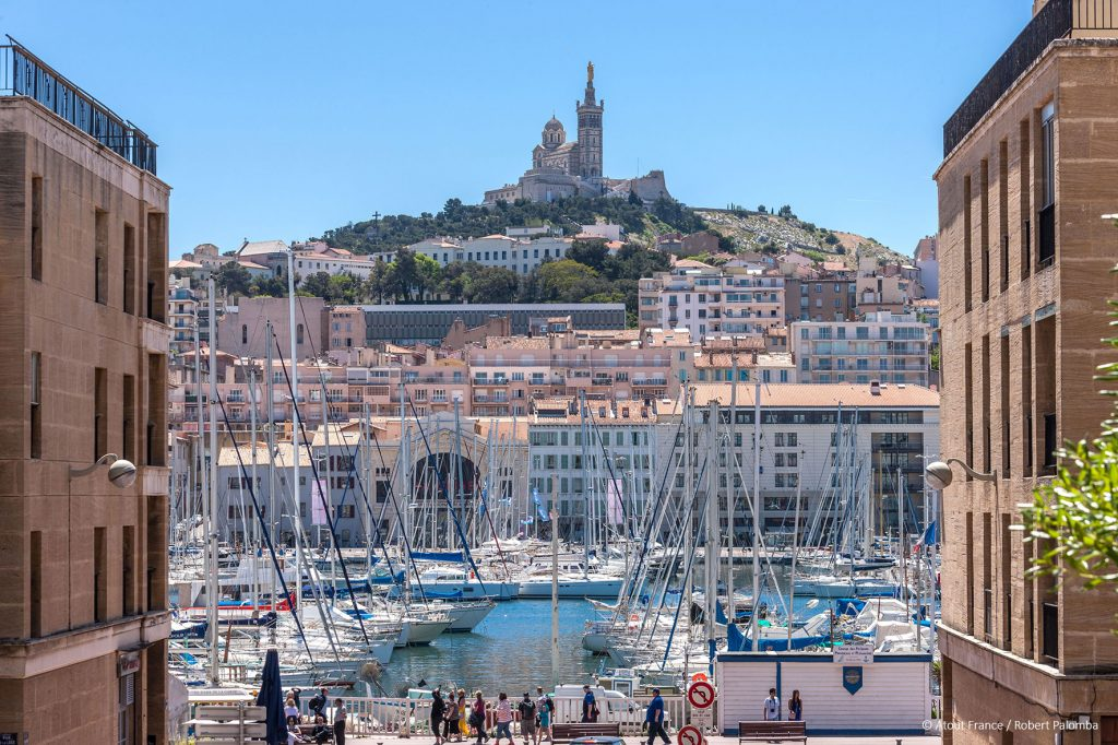 Marseille-alter-Hafen--Atout-France-_Robert-Palomba