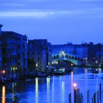 View-on-Rialto-Bridge-Palazzo-Sant-Angelo_37b7372c9ab655dc3c4bd0013053083a