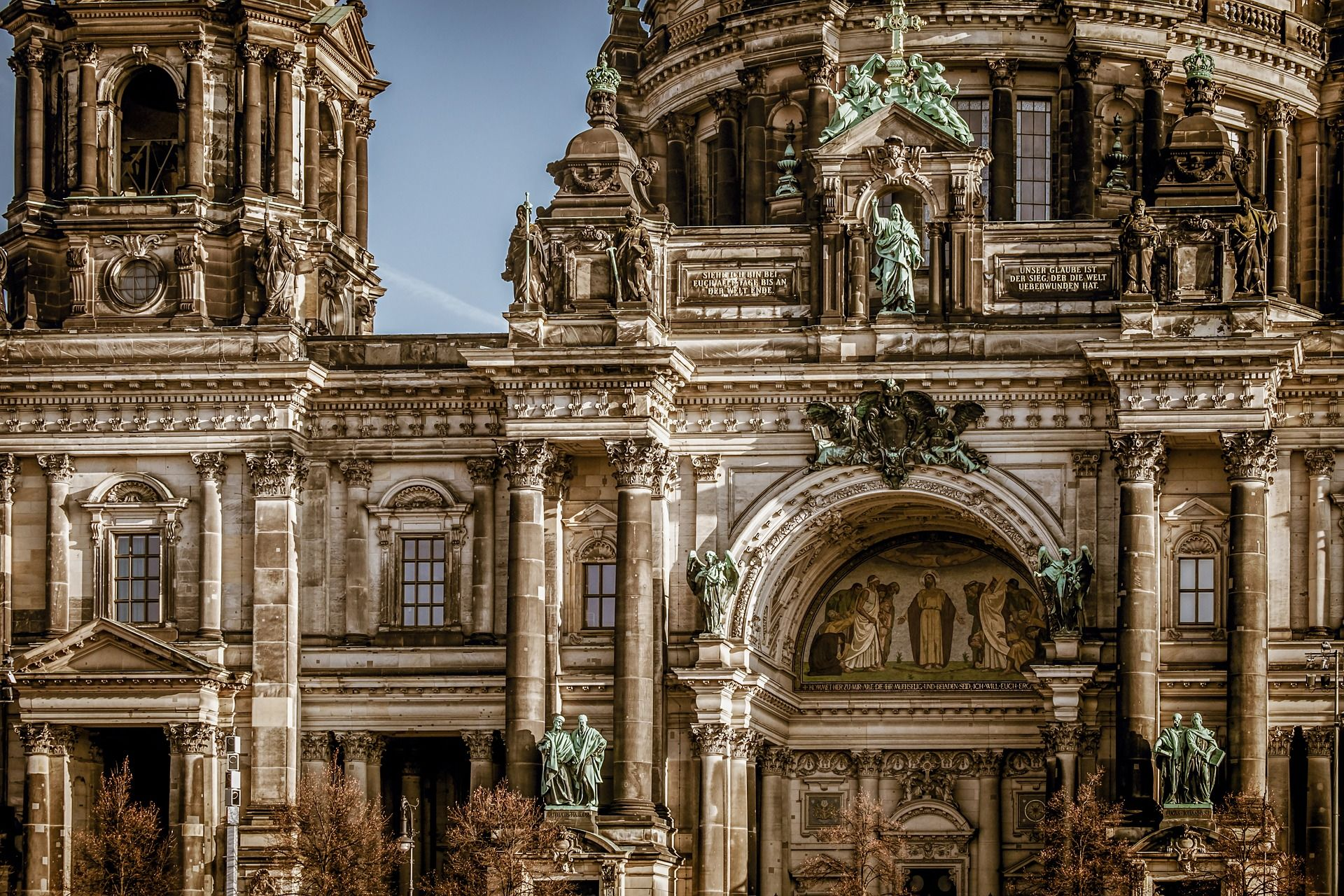 berlin-cathedral-3592874_1920- pixabay free